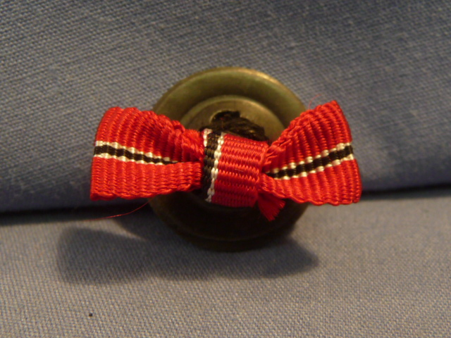 Original WWII German Lapel Button Hole Ribbon, UNISSUED