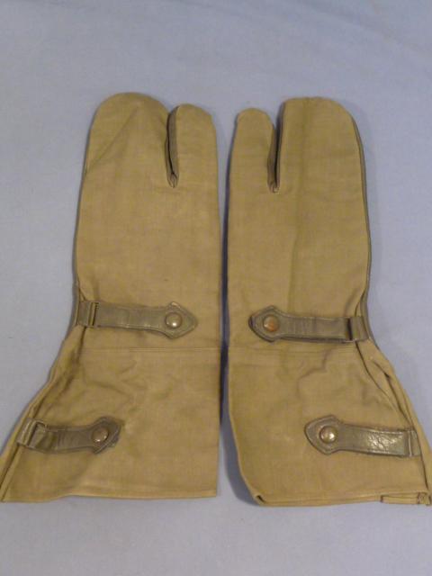 Original WWII German Motorcyclist�s Gauntlet Gloves, Pair