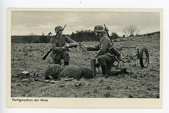 Original WWII German Military Themed Postcard, Mortar Crew 5